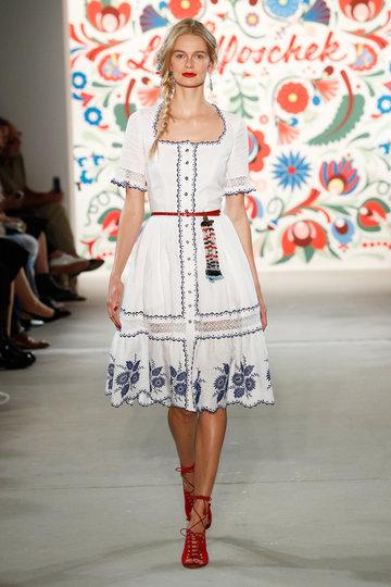 ss-2018_fashion-week-berlin_de_0018_lena-hoschek_71602_fashionshow_article_portrait